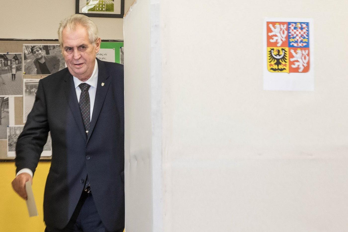 K*nda sem, Babiš tam, Miloušovi vyhrajou volby 3 miliony důchodců, spustil známý sportovec - anotační obrázek