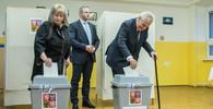 OBRAZEM: Jak probíhal první den voleb? Hlasoval Babiš i Zeman - anotační obrázek