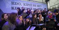 Policie zadržela na demonstracích v Praze dva lidi - anotační obrázek