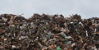 Na domy v metropoli Mosambiku se zřítila hromada odpadků, zemřelo nejméně 17 lidí - anotační obrázek