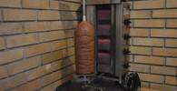 Změna nebude: Evropský parlament podpořil používání fosfátů v kebabu - anotační obrázek