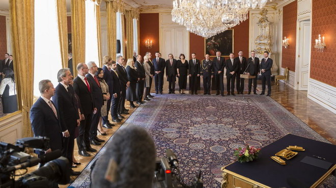 Prezident Miloš Zeman jmenoval novou vládu premiéra Andreje Babiše