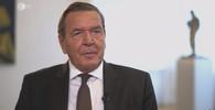 Bývalý německý kancléř Schröder se na veřejnosti ukázal se novou partnerkou, bulvár šílí - anotační obrázek