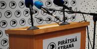 Spor o Národní investiční plán graduje. Piráti chtějí žalovat premiéra Babiše - anotační foto