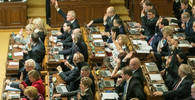 Sněmovna prodloužila nouzový stav do konce dubna - anotační foto