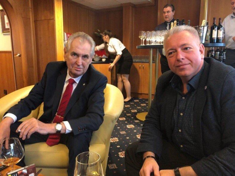 Chce Milan Chovanec jako svůj trumf na sjezdu vytáhnout podporu od Miloše Zemana?