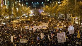 Češi demonstrují proti Zdeňkovi Ondráčkovi