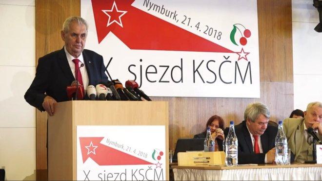 Na letošním sjezdu KSČM řečnil také Miloš Zeman
