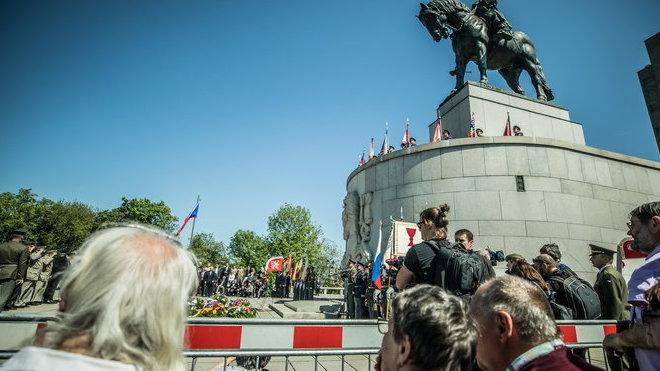 Lidé si na Vítkově připomínají konec války