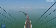 Čína otevřela nejdelší most přes moře. Stavěli ho devět let, má 55 kilometrů - anotační obrázek
