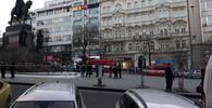 V centru Prahy se polil hořlavinou a zapálil muž - anotační obrázek