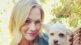 Kelly (Jennie Garth)
