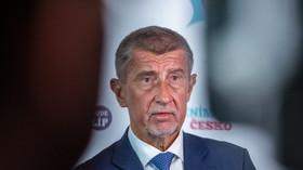 Covid zamořil Česko. Problém začal 9. dubna, Babiš ignoroval varovné signály, píše Politico - anotační foto