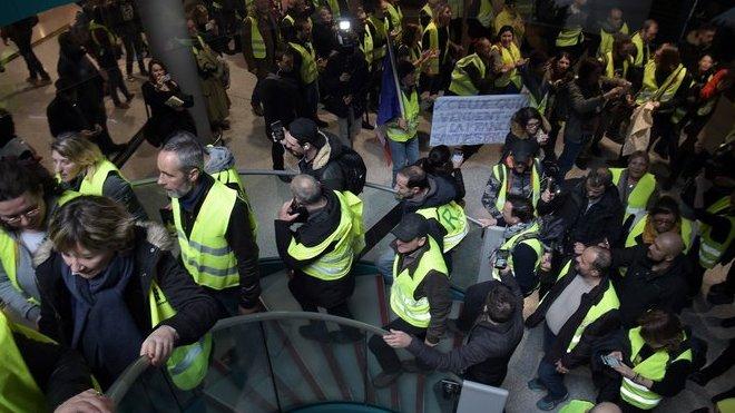 """Demonstrace """"žlutých vest"""" v Paříži (9.3.2019)."""