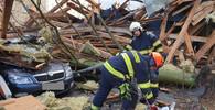 Vítr zdemoloval střechu Finančního úřadu v Ostrově