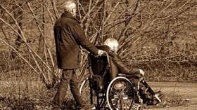 Mizerné důchody: Mohou na tom být Češi ještě hůř? - anotační foto