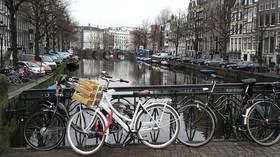 Rasistická tradice? V Nizozemí se opět bouřlivě debatuje o Černém Petrovi - anotační foto