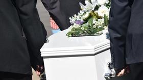 Ombudsman řešil problém otevřené rakve zemřelého s covidem - anotační foto