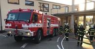 V Říčanech u Prahy hořelo obchodní centrum a školka - anotační foto