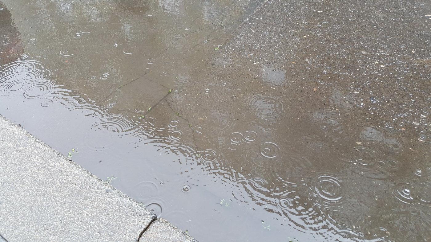 Deštivé počasí, ilustrační foto