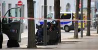 Útok v Lyonu má už 13 zraněných. Pachatel na útěku - anotační obrázek
