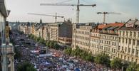 Na Václavském náměstí se podle odhadů sešlo 120 tis. lidí