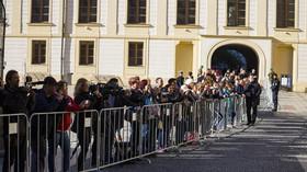 S Karlem Gottem se přišli rozloučit politici, umělci, sportovci i veřejnost