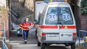 Koronavirus: 3330 nakažených v ČR, počet mrtvých vzrostl - anotační foto