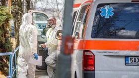 Koronavirus v ČR: Téměř 4600 nakažených, nových případů výrazně ubylo - anotační foto