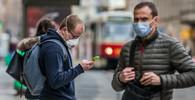 Na podzim koluje řada virů. Budou roušky povinné? Vojtěch naznačil - anotační obrázek