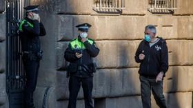 Experti: Páteční zpřísnění opatření epidemii výrazně nezkrotí - anotační foto