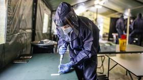 Nárůst počtu případů covidu-19 v Česku opět zrychlil - anotační foto