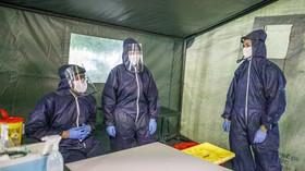 Covid-19 v Česku: Hygienici hlásí příznivá čísla - anotační foto