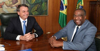 Jair Bolsonaro (vlevo)