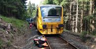 Na Karlovarsku se srazily vlaky. Dva mrtví a přes dvě desítky zraněných - anotační foto