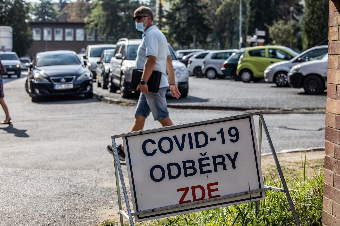 Češi se nechávají testovat na covid-19