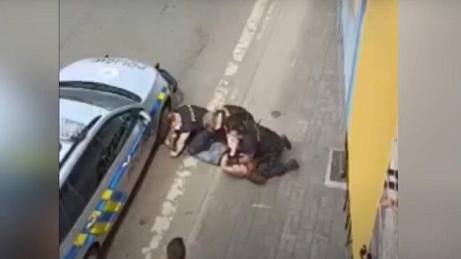 Záběry z policejního zákroku v Teplicích
