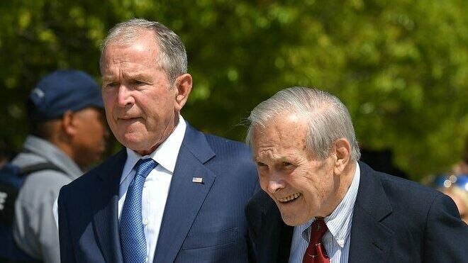 George Bush a Donald Rumsfeld