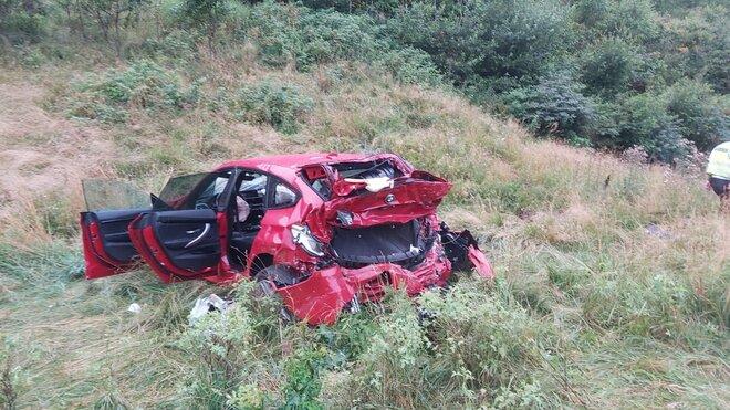Pronásledované auto skončilo na horní části tunelu Panenská na D8, tři zranění