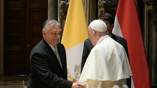 Papež se setkal s maďarským premiérem Orbánem