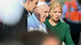 Papež František zahájil návštěvu Slovenska