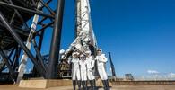 Raketa Falcon 9 společnosti SpaceX dnes z Kennedyho vesmírného střediska na Floridě vynesla na oběžnou dráhu loď Crew Dragon s americkou čtyřčlennou civilní posádkou.