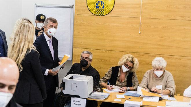 Andrej Babiš odvolil ve sněmovních volbách. (8.10.2021)