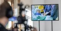 Miloš Zeman na záběrech z nemocnice